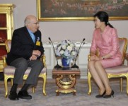 PhilipKotler_Meets_Thai_PM_Yingluck